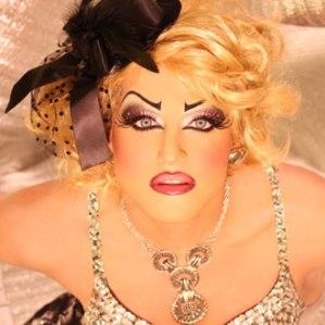 drag-queen-thumb