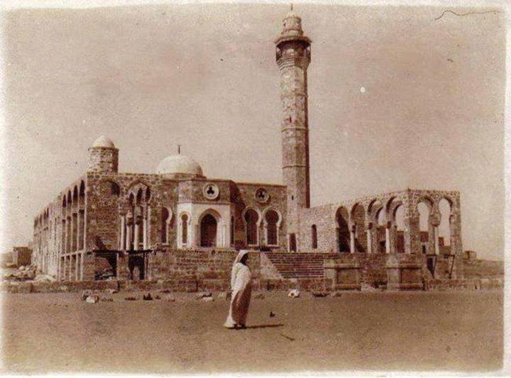 מסגד חסן בק במלוא הדרו. מנשייה, 1916.