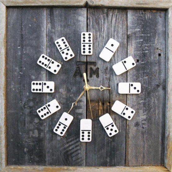 אבני משחק דומינו הפכו לשעון