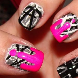 nail-polish-anarchy-thumb