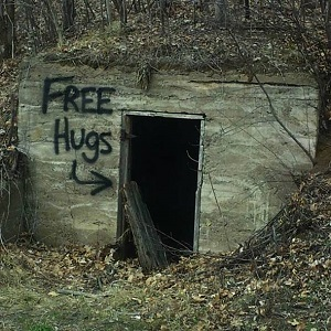 free-hugs-thumb
