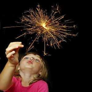 Girl-with-sparkler-thumb