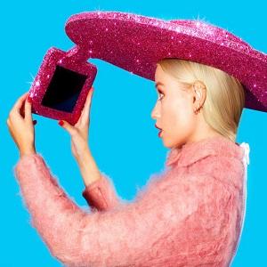 selfie-sombrero-thumb