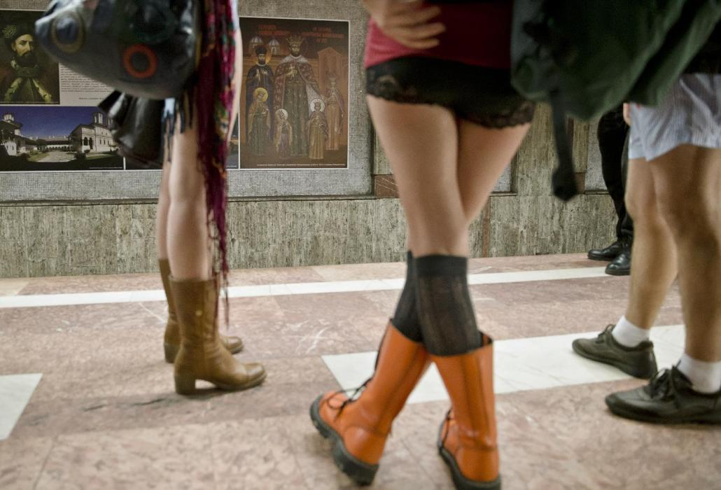 נסיעת רכבת ללא מכנסיים - לראשונה גם ברומניה