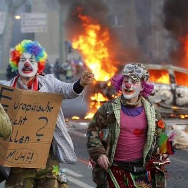 blockupy-ECB-frankfurt-clowns-thumb