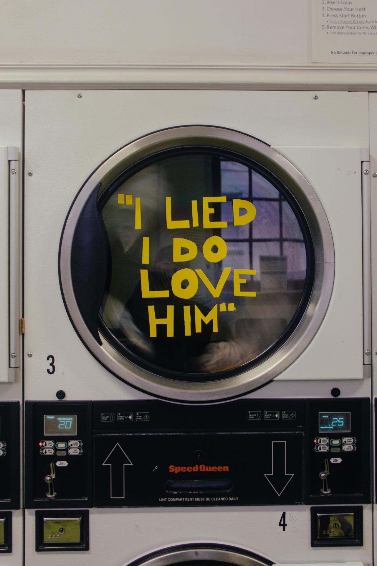 שיקרתי, אני כן אוהבת אותו