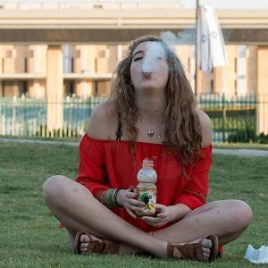 smoking-weed-knesset-mooli-goldberg-thumb