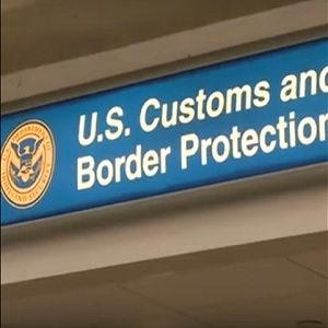 US-customs-thumb